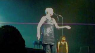 Annie Lennox COLD live