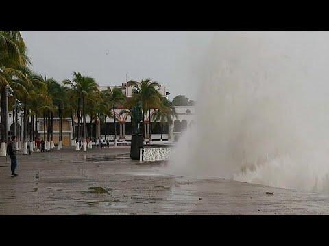 Ο τυφώνας Ουίλα πλήττει το Μεξικό