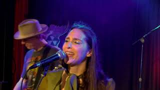 'Athens' - Angela Perley and The Howlin' Moons - From The Extended Play Sessions