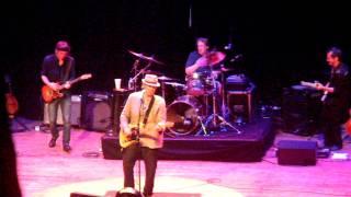 John Hiatt - Paper Thin - The Ryman 09-10-2011