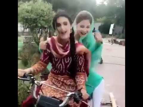 Girl Bike par maza aa gaya