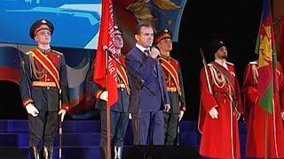 Вениамин Кондратьев обратился к военным с напутствием бережно хранить традиции российской армии