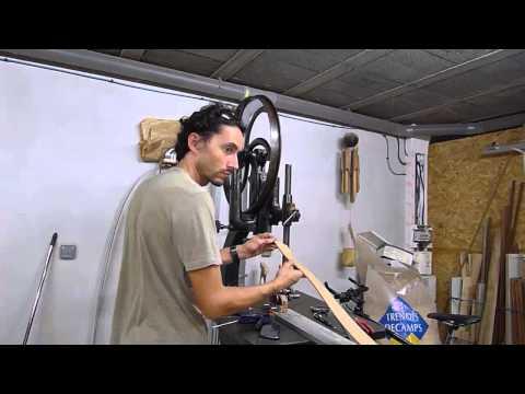 Travail du bois - Changer les garnitures des volants d'une scie à ruban