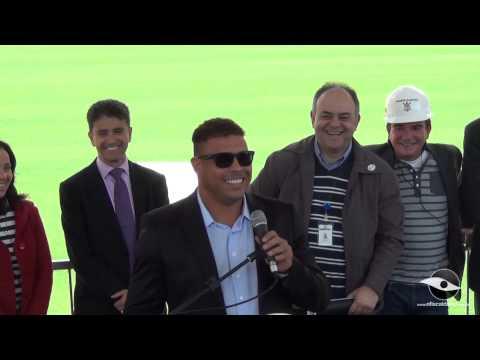 19/08/2013 - Por dentro da Obra - Ronaldo, Bebeto e Andrés na Arena