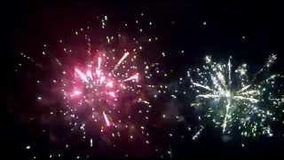 preview picture of video 'FUEGOS ARTIFICIALESSSS!!! LULES CANTA A LA PATRIA 2011'