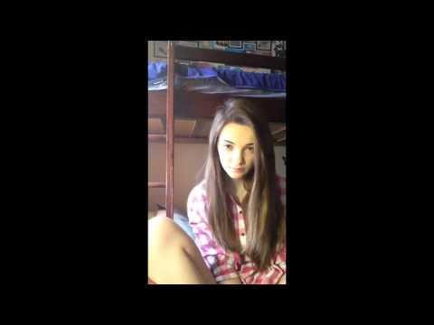 15-летняя школьница девственница отвечает на вопросы в