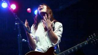 "Feist - I Feel It All (Alternate / Acoustic Version - Live on ""The Colbert Report"",  April 28, 2008)"