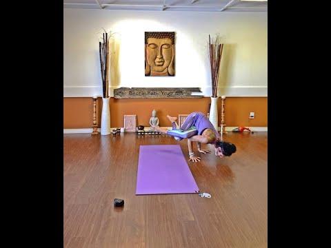 """Unconscious Dumping"" – 60min. Creative Yoga Flow"