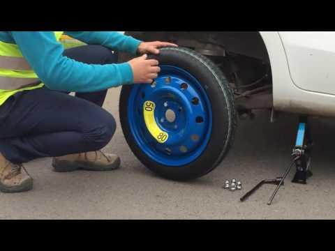 Como Cambiar rueda de Repuesto