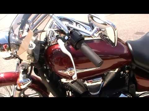 2011 Kawasaki Vulcan® 900 Custom in Janesville, Wisconsin