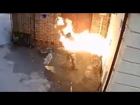 Man Sets Himself On Fire Trying To Burn Down Synagogue Reaction - SmegMen Clip (видео)