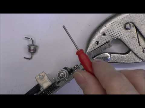 Desoldering needles demonstration