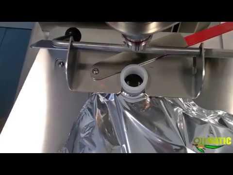 Video riempimento Bag in Box con supporto metallico