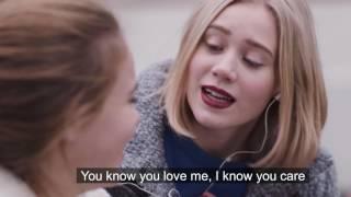 SKAM - Nooras hemliga sätt att bli glad. Har du en happy song? från svtplay