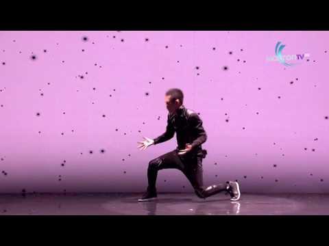 מופע ריקוד מרהיב המשלב אדם וטכנולוגיה