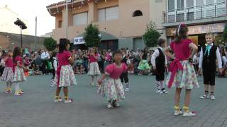 preview picture of video 'Petits a la Festa Major. Colles Santa Perpètua 2010'