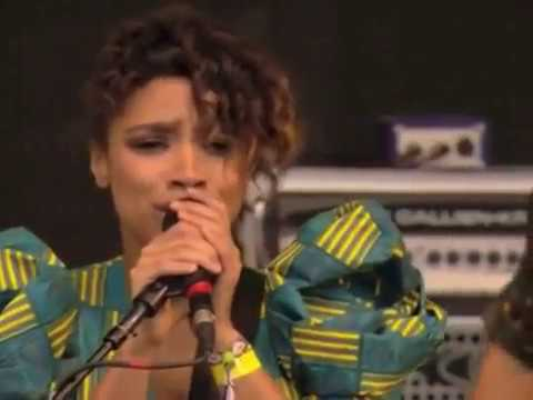 Lianne La Havas - Weird Fishes (Live at Glastonbury)