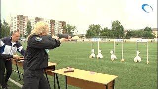 Новгородские полицейские провели традиционный спортивный праздник на стадионе «Волна»