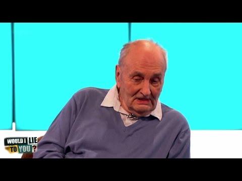 Uspával Tony Davida, byl mu zničen invalidní skútr, nebo hrál badminton?