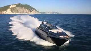 Luxury Yacht - Pershing Fleet 2015