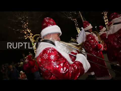 Russia: Ded Moroz is coming to town! Festive parade kicks off holidays in Ryazan