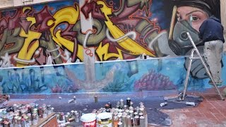 Graffiti pintado en el Black Swan Hostel bcn