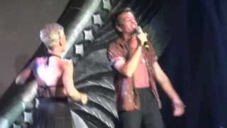 P!nk   Just Give Me A Reason (feat. Nate Ruess) (Live) HamburgGermany
