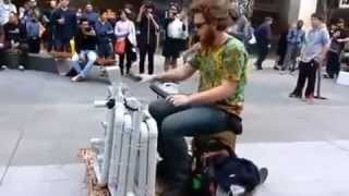 Электронная музыка на водосточных трубах