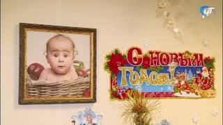 Сергей Митин поздравил первого новорожденного, появившегося на свет в наступившем году
