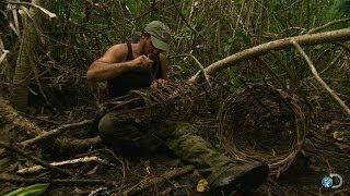 Making a Survival Crab Trap | Dual Survival