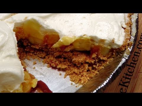 How to Make Banana Cream Pie – Recipe by Laura Vitale – Laura in the Kitchen Episode 128