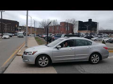 Bootlicker breaks law in front of police