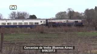 preview picture of video 'Martita... de lejos (Tren 513 de Ferrobaires saliendo de Vedia)'