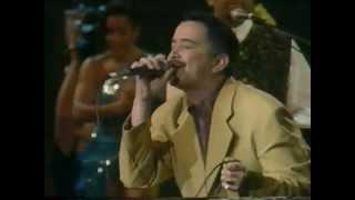 Video No Vale La Pena Enamorarse de Ray Sepulveda feat. Jhonny Rivera