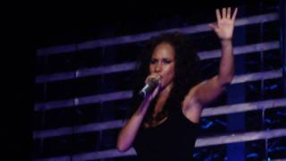 Alicia Keys - Like the Sea/I Need You - Bell Center - Montreal February 28th 2010