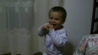 preview picture of video 'smeh,risata,Baby Laugh,rire des enfants,смеха,risotada críos,Gelächter Kinder,Bimbi de risata'
