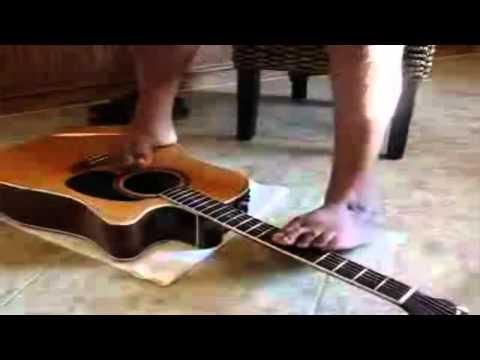 לא צריך ידיים כדי לנגן בגיטרה - טוני מלנדז המדהים