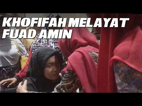 Gubernur Khofifah Melayat Fuad Amin di Graha Amerta Surabaya