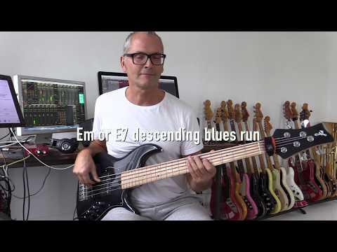 Funky bluesy bass run, how to play