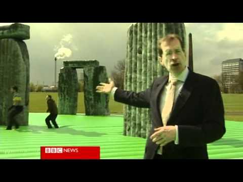 Inflatable Stonehenge Lets You Perform Your Druid Ceremonies Anywhere