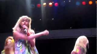 Anjulie ~ Stand Behind The Music (LIVE)