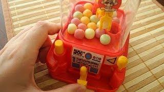 Смотреть онлайн Игрушечный кран с жвачками
