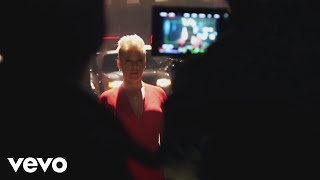 P!nk   Walk Me Home (Behind The Scenes)