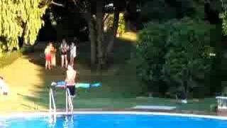 preview picture of video 'Tuffo con super-rincorsa'