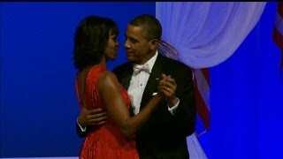 Jennifer Hudson Sings During President and Michelle Obama's Dance