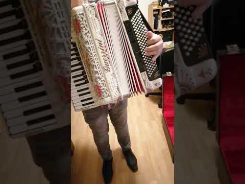 Harmoniku Guerrini Polka King [1/9]