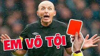 Phản ứng cực hài hước của trọng tài khi bị nhận thẻ đỏ từ cầu thủ