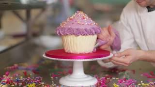 Lolas Cupcakes Vanilla Show Girl Giant Cupcake