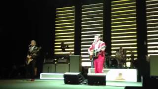 "Chris Isaak - ""Last Month of the Year"" 12-13-12"