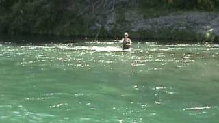 preview picture of video 'Spawning Trout - Duchess Pool, Tongariro River, Turangi'